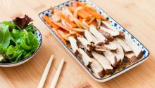 Pollo al té negro marinado en salsa japonesa