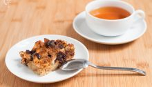 Pudin de pan, té de cacao y chocolate (sin lactosa)